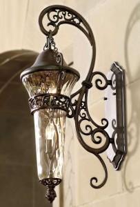 lampu dinding outdoor besi cor