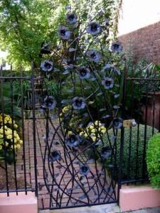 pagar rumah unik besi cor