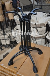 tips dekorasi cafe dengan kaki meja cast iron