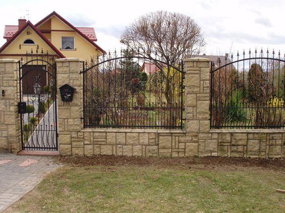 pagar dengan ornamen pagar motif tombak