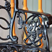 detail handle kursi aquila set meja kursi cast iron