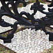 detail ornamen lyra kursi taman panjang
