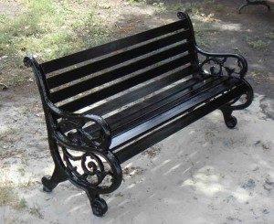 corona kursi taman panjang cast iron