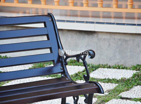 detail antlia kursi taman panjang